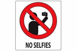 no-selfies-poster-main