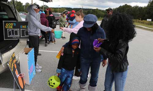 Voices Of Faith Ministries Hosts Trunk Or Treat On Common Ground