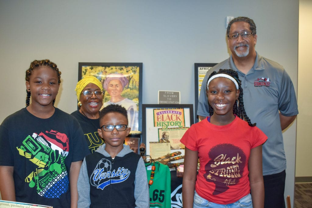 Mayor and kids at Juneteenth 2019