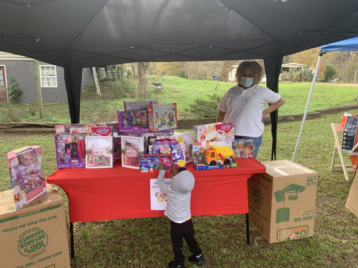 2021 Annual Christmas Toy Giveaway Covinton Ga Masked Toy Bike Giveaway Puts Smiles On Kids Faces Ahead Of Christmas On Common Ground News 24 7 Local News